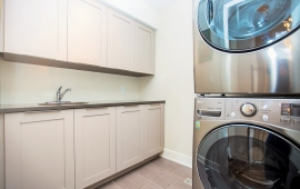 S Laundry.47B Granville